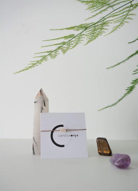 meeriwild ma french box unboxing kufu sac vrac papier ensemencé sérum yeux tisane carte carnet womoon aspargus améthyste oeil tigre pierre lune
