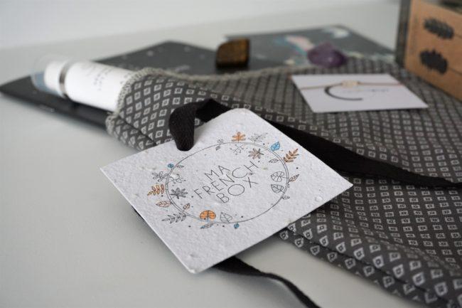 unboxing kufu sac vrac papier ensemencé sérum yeux tisane carte carnet womoon aspargus améthyste oeil tigre pierre lune