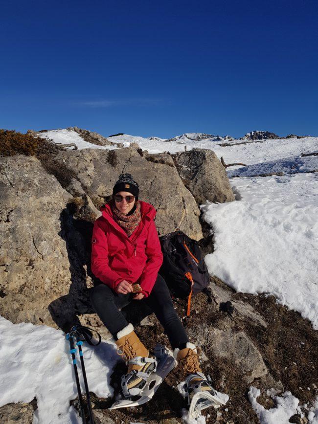 Au sommet du belvedère des Têtes, nous sommes à la moitié de notre randonnée en raquettes