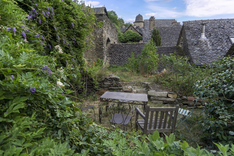 jardin village médiéval Conques