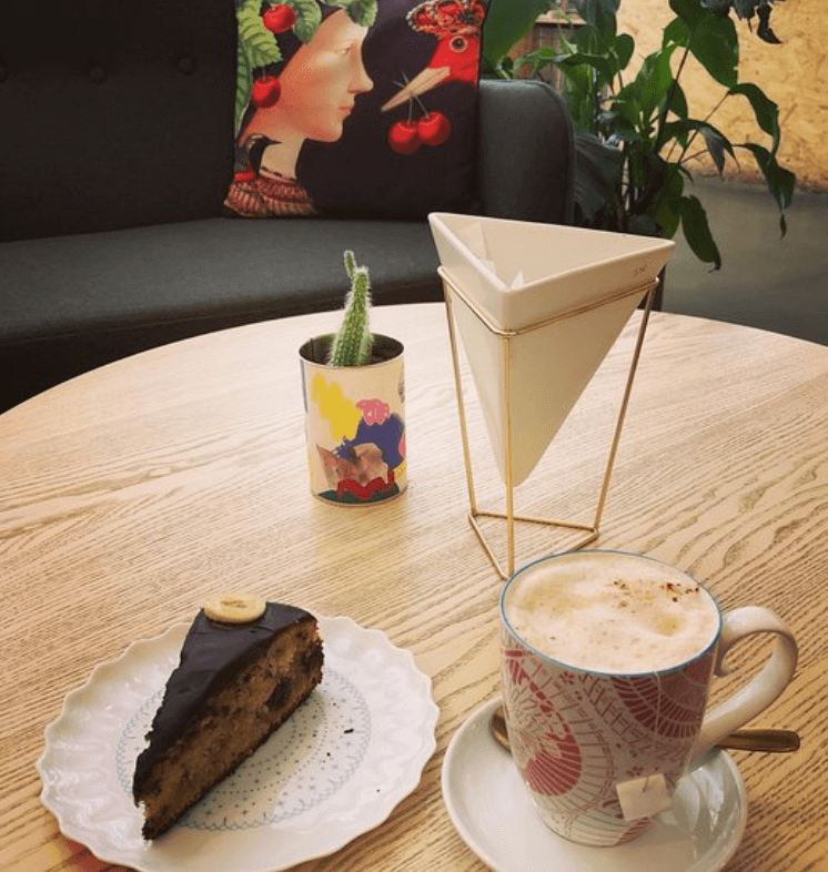 L'Hybride concept store coffee time