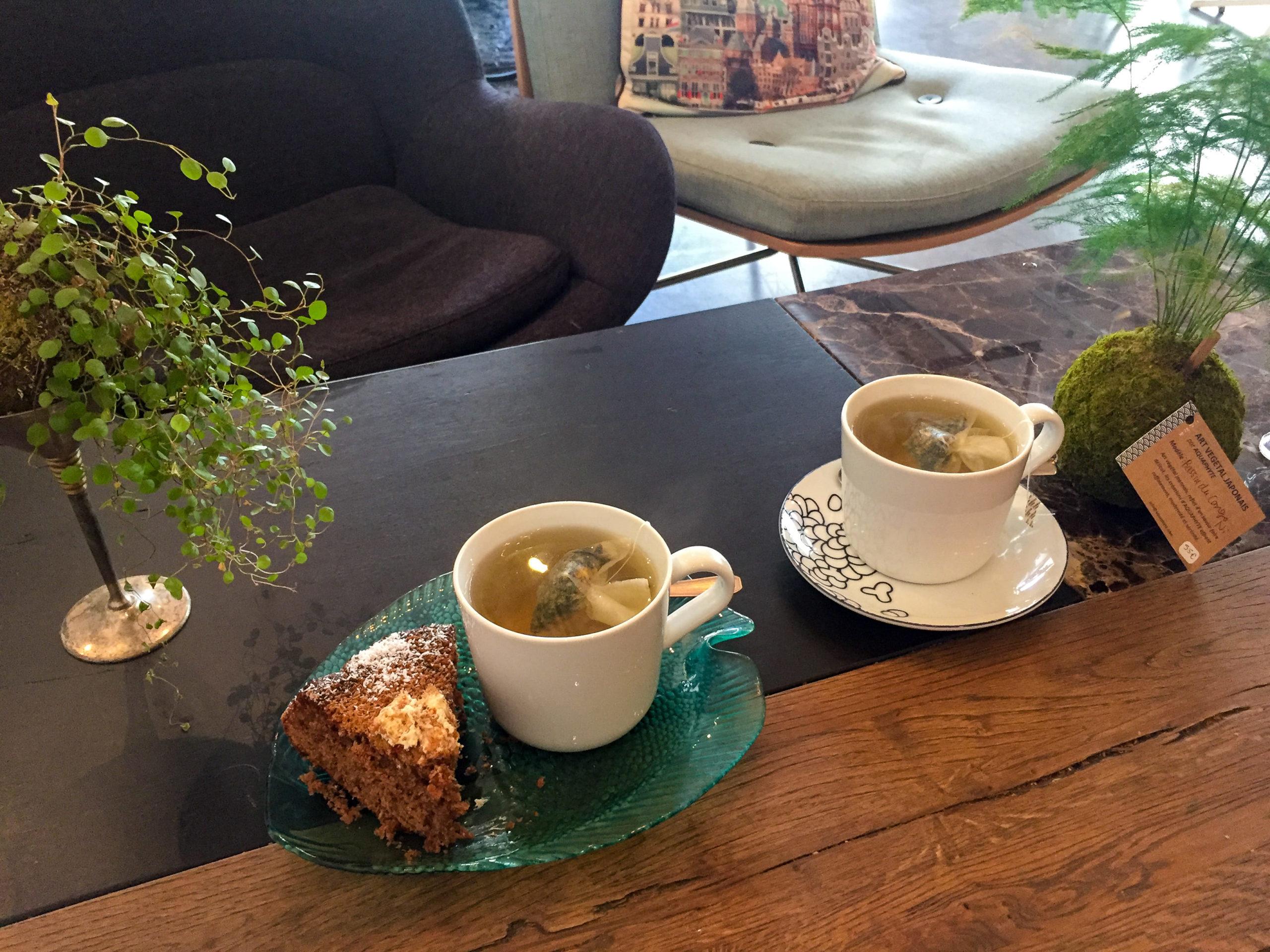 L'Hybride concept store tea time