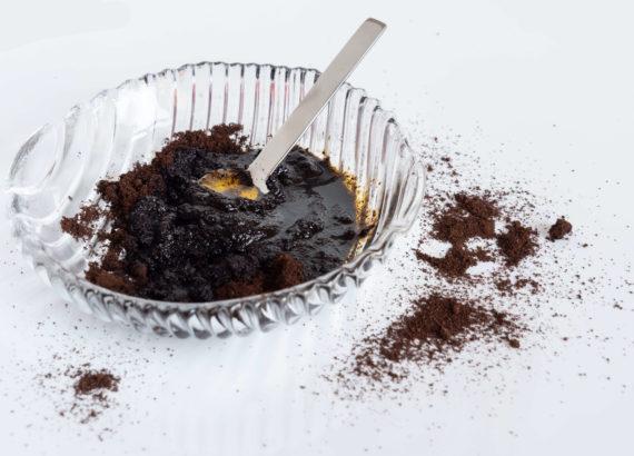 exfoliant naturel marc de café et huile de carotte - meeriwild