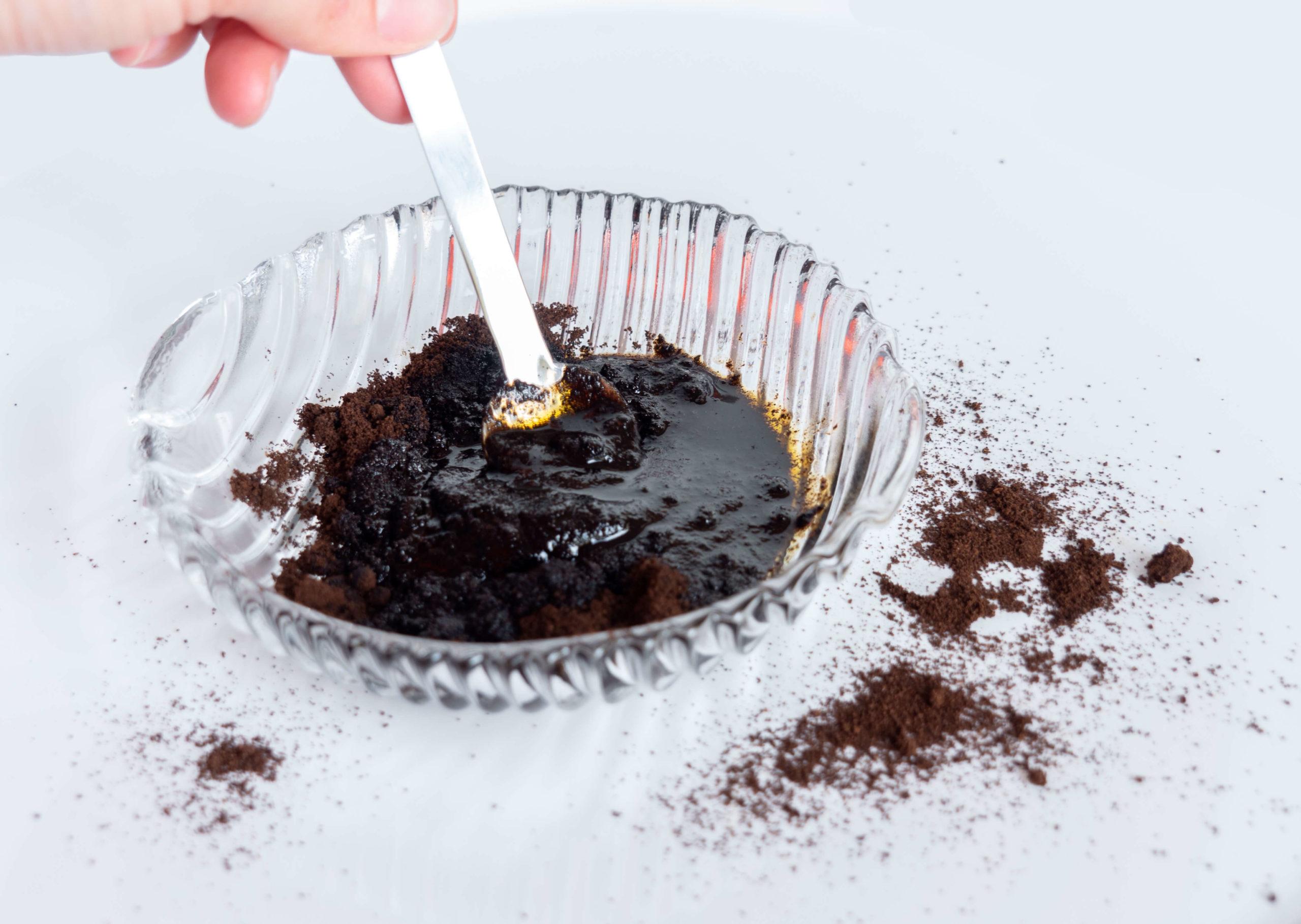 exfoliant naturel pour le corps marc de café et huile de carotte - meeriwild
