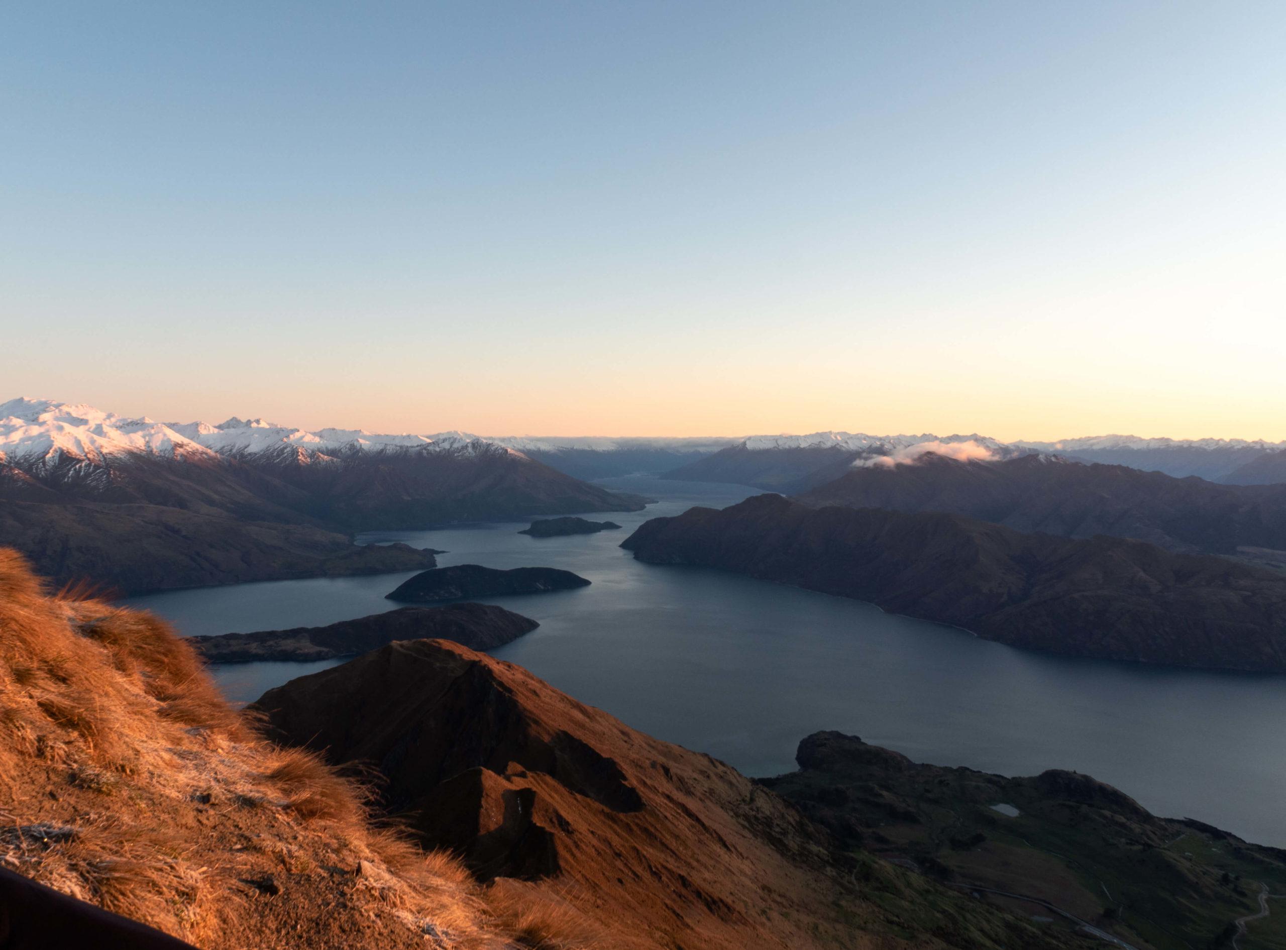 sunrise Wanaka lake New Zealand